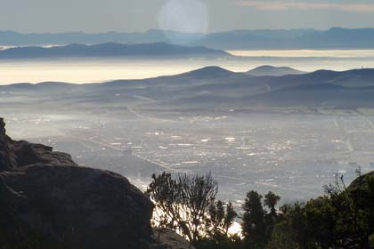 Blick auf Kapstadt (Südafrika) vom Tafelberg