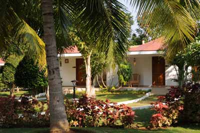 Mahabalipuram - Bungalows im Chariot Beach Resort